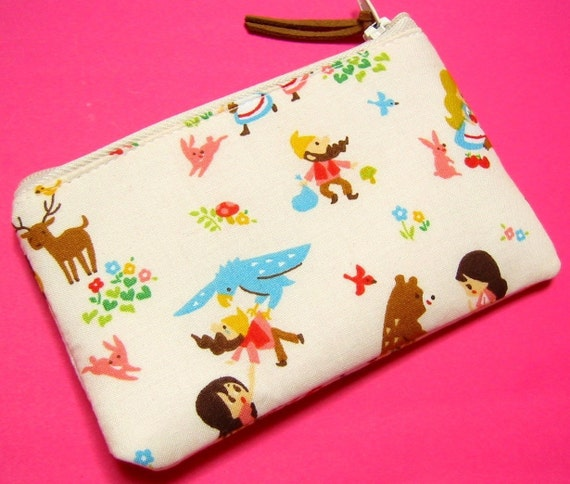 Mini Zippered Pouch - Picnic with friends