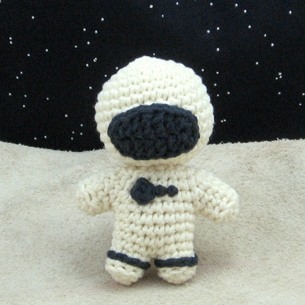 astronaut crochet - photo #2