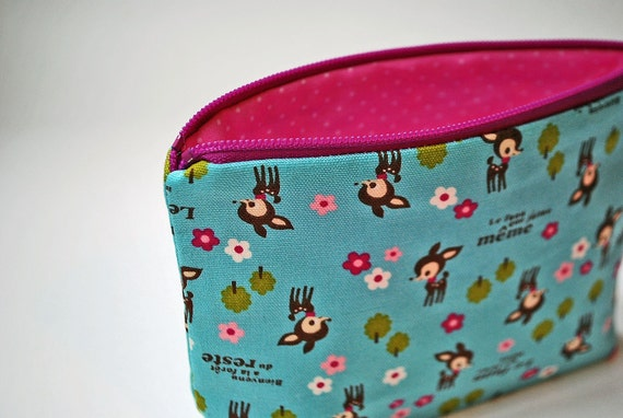 The small clutch / cosmetics case / hand bag --- French fawn