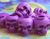 20 Skull Beads Altered LILAC Plastic Halloween Psychobilly Goth Day of the Dead ZNE ESST