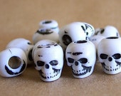 20 White Skull Beads Plastic Goth Pirate Psychobilly Day of the Dead Lolita ZNE ESST