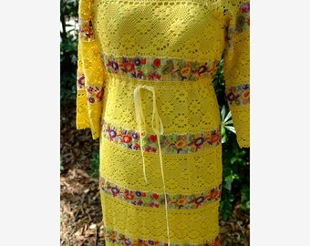 Vintage Yellow Embroidered Lace Mexican Maxi Dress