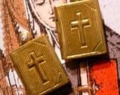 2pcs Vintage TINY BIBLE LOCKET Intricate Brass