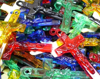 10pcs VINTAGE PLASTIC CRUCIFIXES Assorted Kitsch