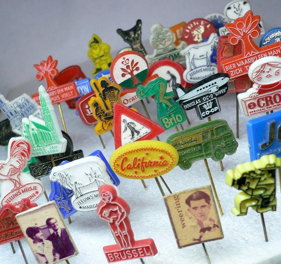 10pcs TINY ADVERTISING PINS 1950s-70s Vintage  Dutch Retro Plastic