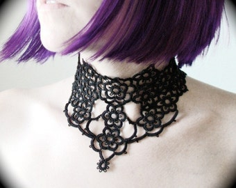 Tatted Lace Choker Collar Necklace - Grand Victorian Daisy Three