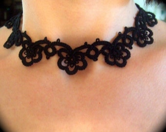 Tatted Lace Choker Necklace - Flower Garland
