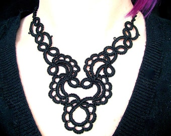 Tatted Lace Necklace - Trailing Scrolls