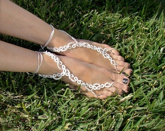 The Vine - Tatted Lace Barefoot Sandals - White with Beads