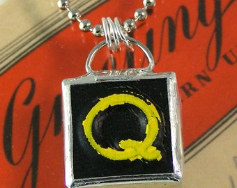 Letter Q Initial Pendant Necklace