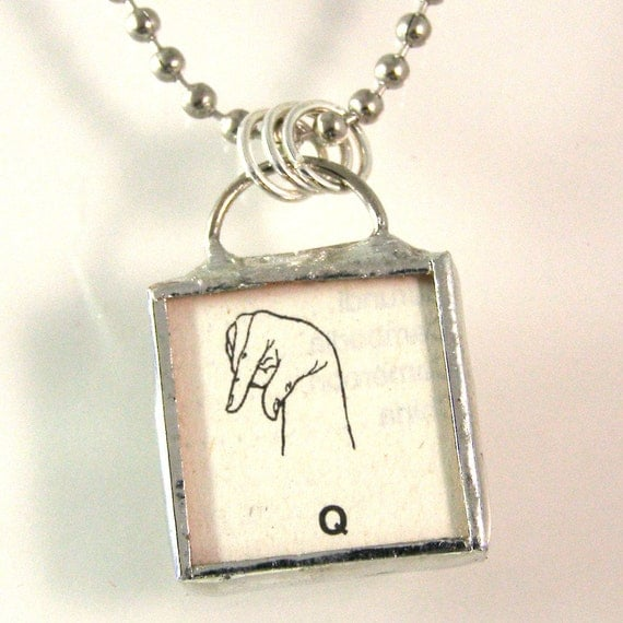 Sign Language Initial Q Pendant Necklace