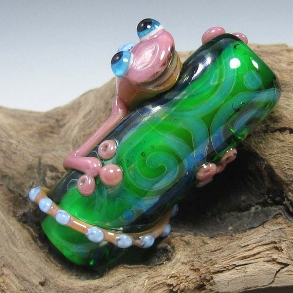 SALE:  Adorable Lampwork Purply Plum Lizard on Green Barrel Focal Bead by Starlight Designs