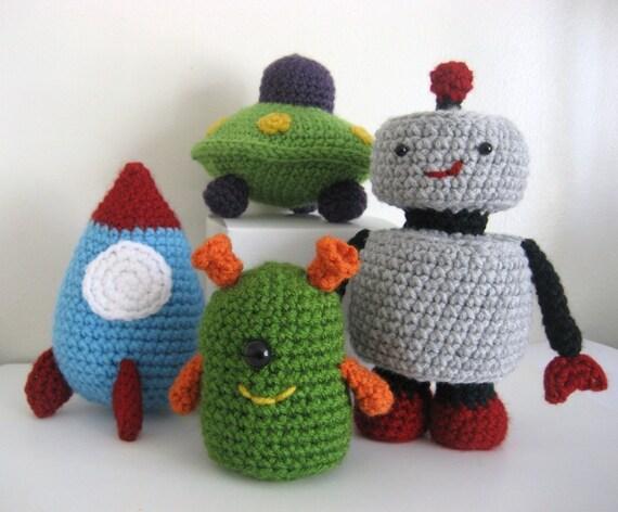 Free Amigurumi Robot Pattern : Amigurumi Crochet Robots Rockets and UFOs Pattern Set