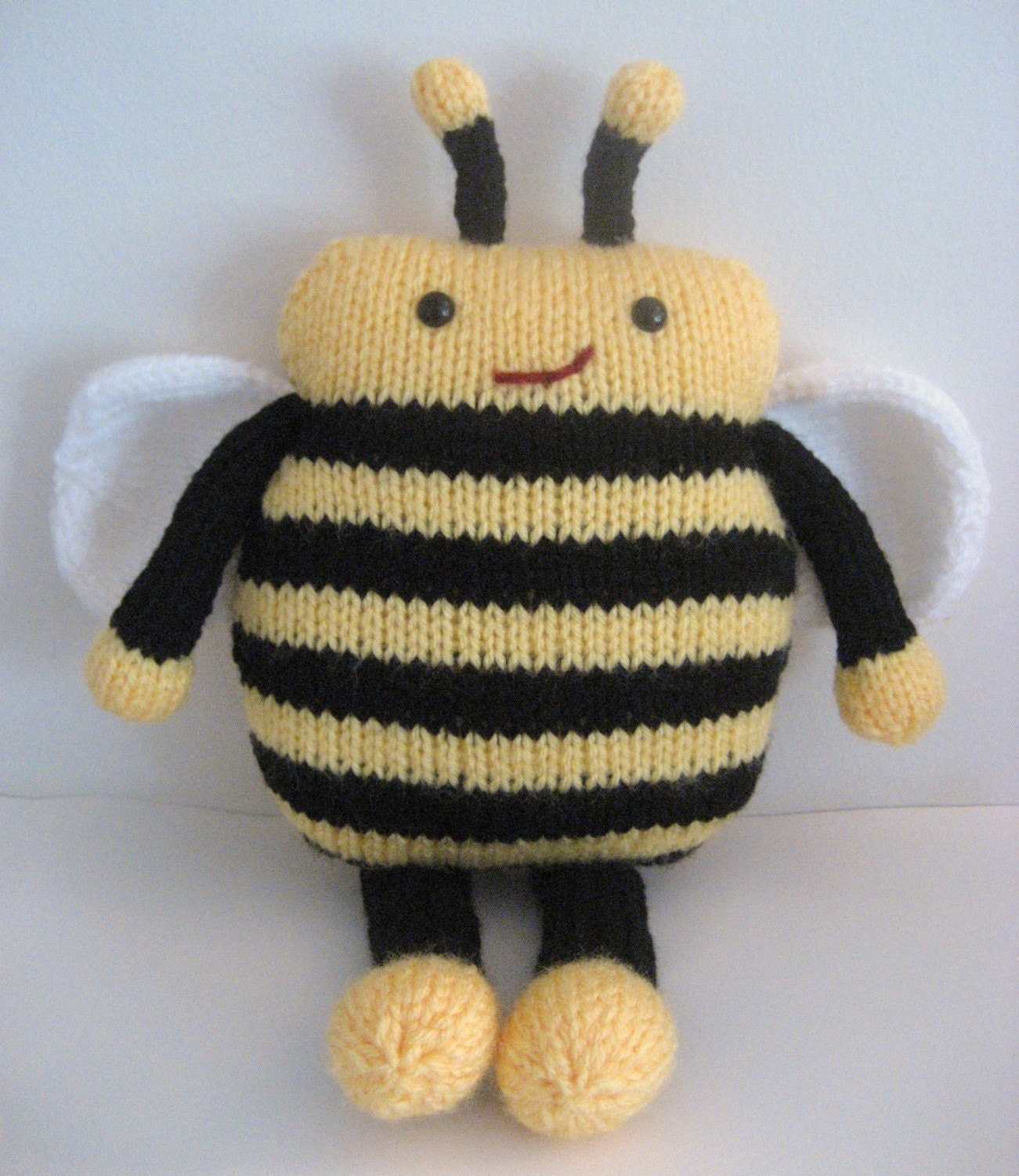 Easy Amigurumi Cat Pattern : Sale Amigurumi Knit Bee Pattern Digital Download