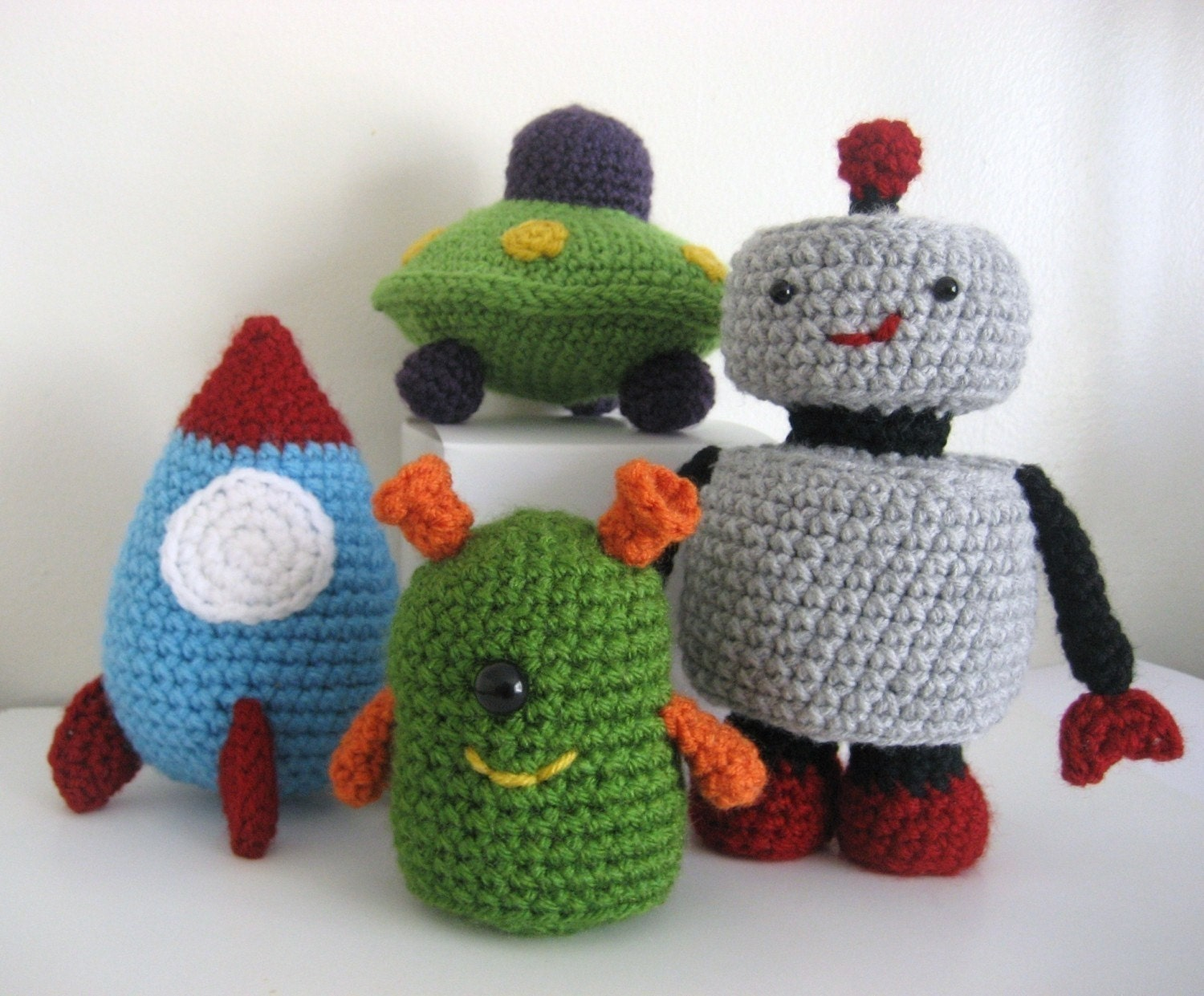 Amigurumi Alien : Amigurumi Crochet Robots Rockets and UFOs Pattern Set