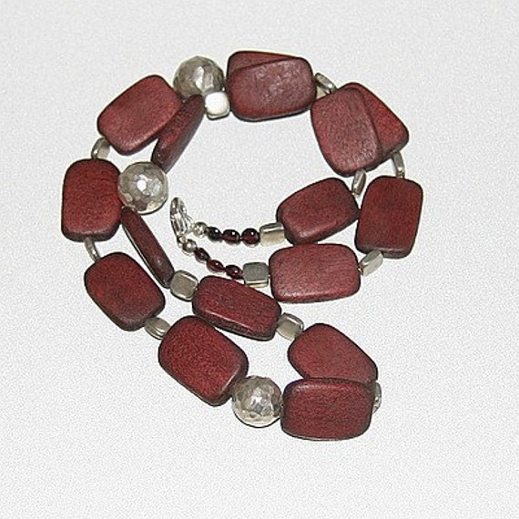 New York City Urban Argento Rectangles Hammered Sterling Silver, Wood, and Garnets Necklace