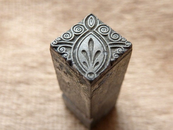 Victorian fleur de lis plant Metal Stamp Antique for polymer clay jewelry stamping ink from printers type trays block letterpress