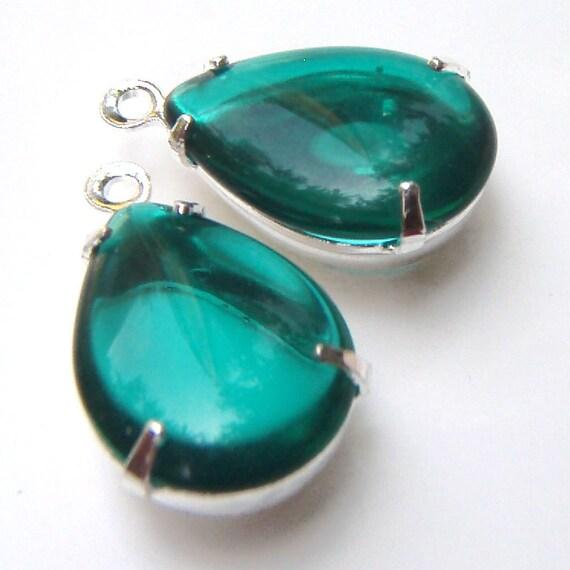 Emerald, Green, Vintage Rhinestone, Pear, Silver Plated Settings,14mm, 10mm, Glass, Jewel, Teardrop, One Pair, International Shipping