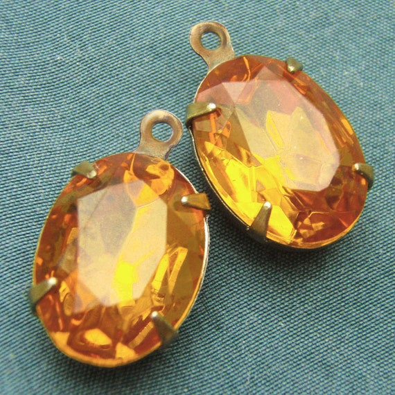 Golden Topaz, Vintage Rhinestone, Oval, 14mm, 10mm, Patina Brass Settings, One or Two Rings, Glass, Jewels, Onje Pair, Worldwide Shipping