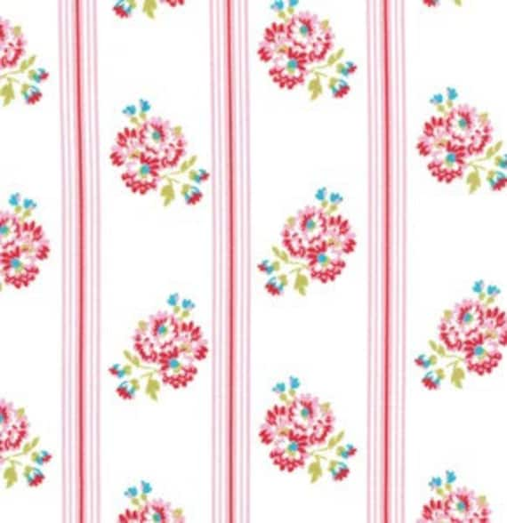 Tanya Whelan Fabric /  DELILAH Collection /  POSY in PINK - 1 Yard Cotton Quilt Apparel Fabric