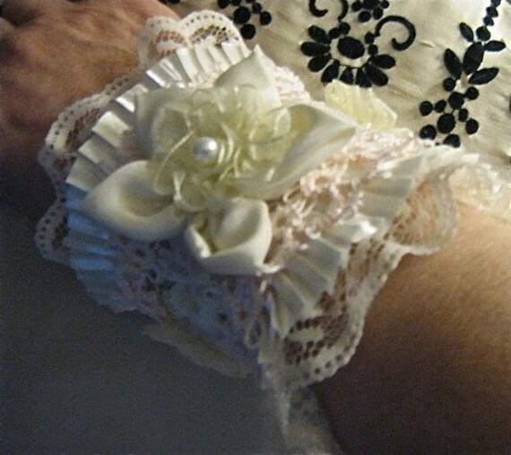 Tatted Lace Wrist Cuff