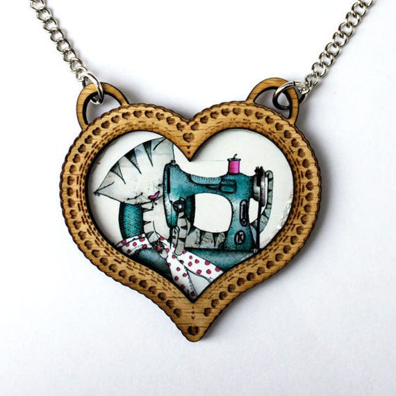 Cat Necklace - Heart cameo - Wood - Jewelry - mothers day