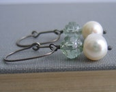 Prairie Snow Pearl and Glass Silver Earrings