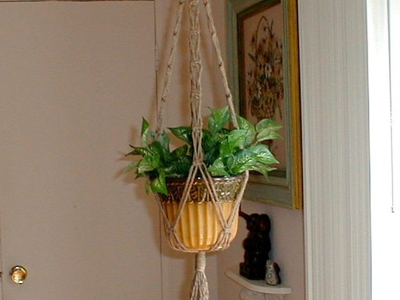 Short Macrame Plant Hanger SIMPLE SIMON Made in America