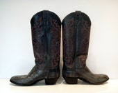 Vintage Cowboy Boots in Gray Snakeskin & Leather - Excellent Condition, Made in the USA Unisex Stitching  On sale