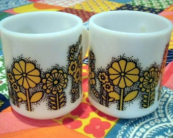 Vintage Flower Power Mugs Cups and Mugs Home and Living Yellow Black White Vintage Housewares Kitchen Home Decor Kawaii Kitsch Cute