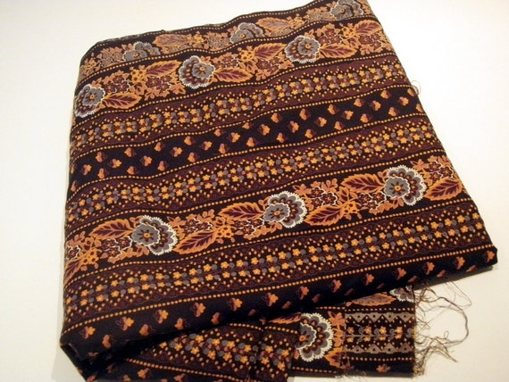 Vintage Calico Fabric c. 1970s Soft Quilting Cotton in Chocolate Brown, Gray, Terra Cotta and Orange - Excellent Condition