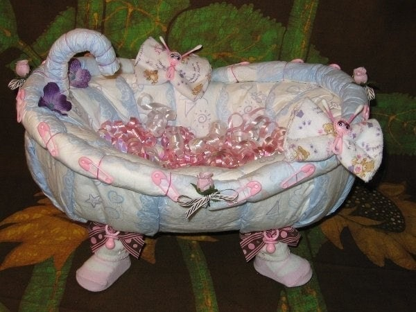 learn 2 make a bathtub from diapers tutorial fill it up with. Black Bedroom Furniture Sets. Home Design Ideas