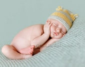 Flour Sack hat for NEWBORNS photography prop - Blue and Yellow