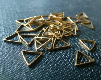 Equilateral Triangles 9mm - Raw Brass - 36pcs - Brass Triangle, Triangle Link, Triangle Connector, Tiny Triangle