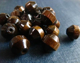 DESTASH - Vintage Beveled Wood Barrel Beads - Chocolate Brown - 88pcs