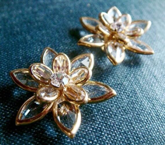 RESERVED for C - Swarovski Filigree Flowers - Crystal/Gold - 16pcs