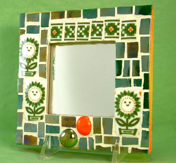 Mini mosaic mirror the green chuckle patch retro flower power for Mirror 18 patch