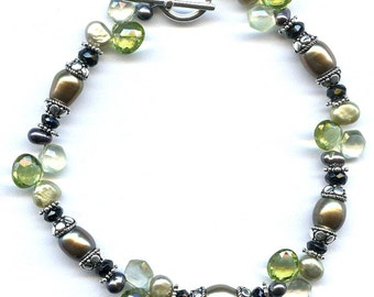 Green Pearl And Peridot Sterling Silver Bracelet FD241H