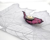 Wool Leaf Button Brooch - Purple Beech