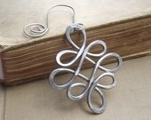 Christmas Ornament - Looping Crossed Knots Celtic Ornament, Aluminum Celtic Knot Holiday Ornament Christmas Gift Hanging Decoration