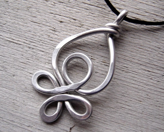 Celtic Loops Big Pendant - Light Weight Aluminum Wire Necklace - Celtic Knot Jewelry - Women