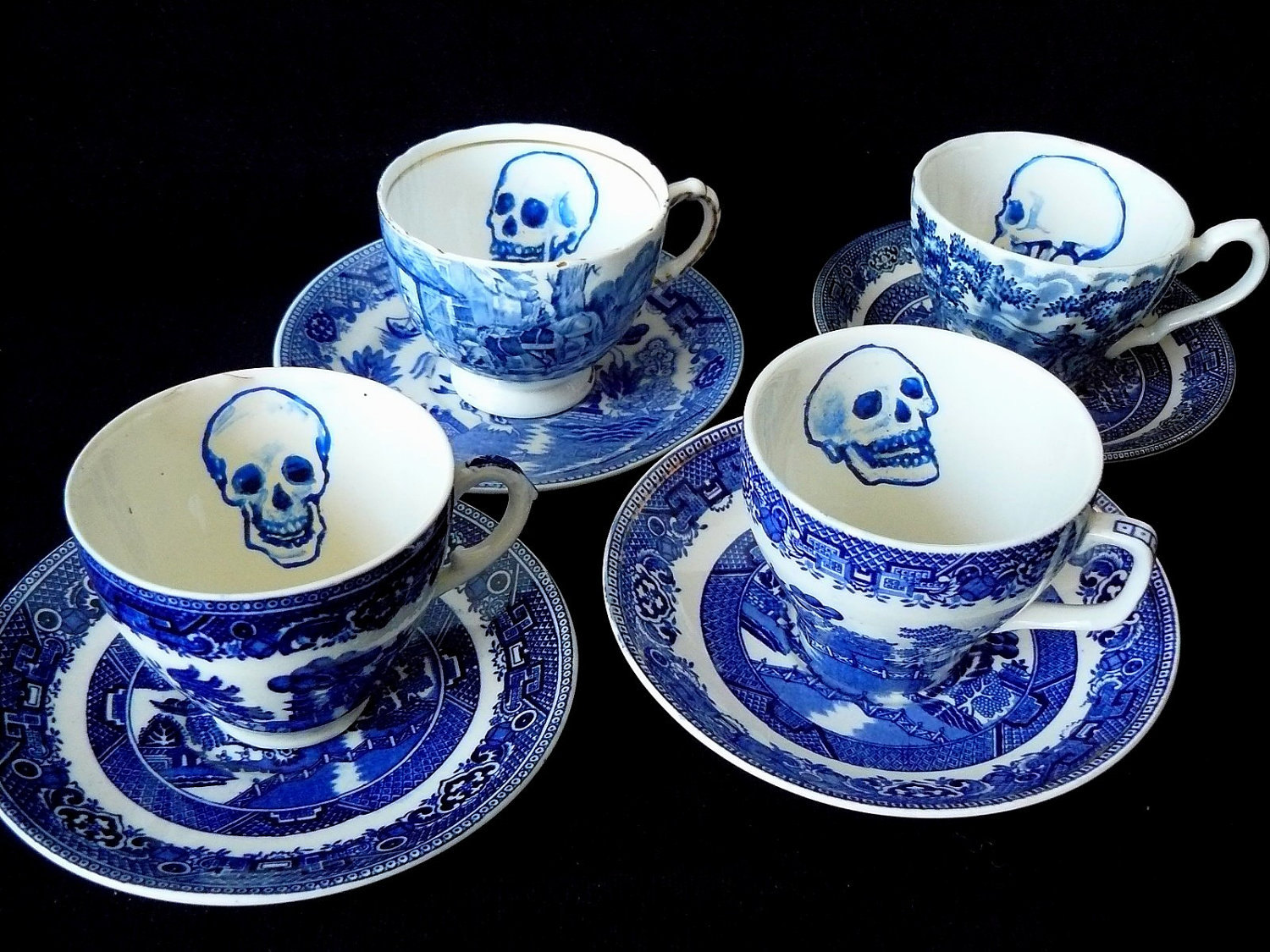 Sale Skulls Blue Willow Teaset