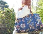 Vintage Huge BLUE GARDENS Floral Zippered Tote Carryall