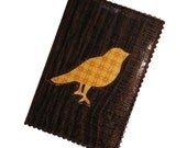 Bird on Woodgrain Passport Cover