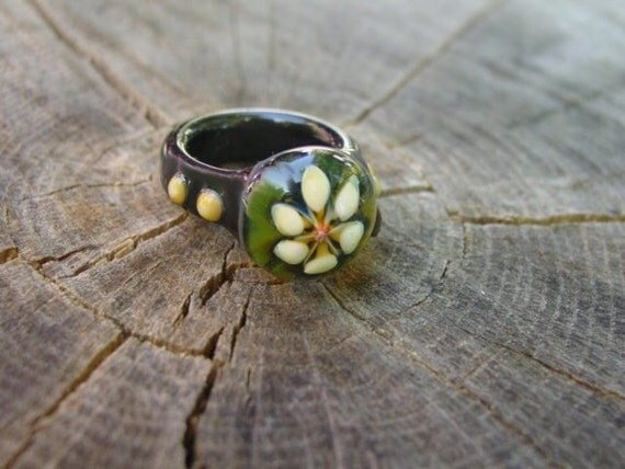 Classic Elegance Flower glass lampwork boro ring