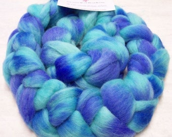 Handpainted Roving Soft Wool Corriedale Colorway, Biloxi Blues