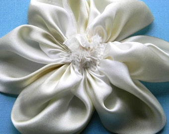 Silk flower brooch in white and ivory