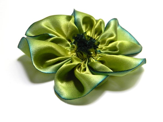 lime flower with blue edges hairclip