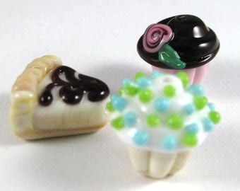 Free Shipping for this Trio of Handmade Glass Sweet Treat Beads with a Chocolate Theme
