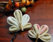 Fall Ivory Kanzashi Leaves. Ornate Bobby Pins of Silk Chirimen. Elven Leaves. Free Shipping.